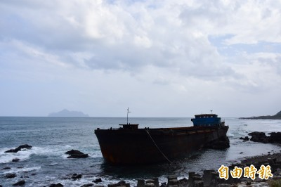 擱淺24天 宜蘭大溪幽靈船即將開拆