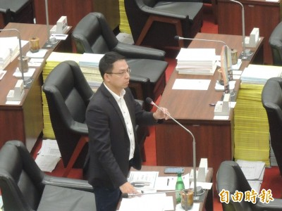 韓國瑜喊廢除一例一休 高市勞工局長趴著也中槍