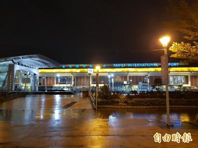 國防部上校深夜發酒瘋 松山機場捷運站毆打保全遭壓制