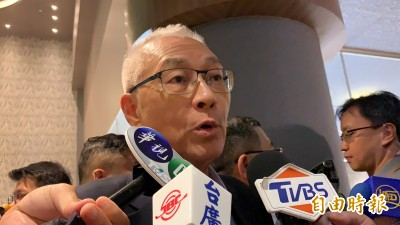 韓國瑜民調落後 吳敦義:支持者「庶民」為主、不一定在家接電話