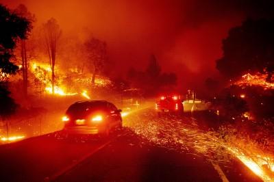強風助長! 加州葡萄酒之鄉遭野火吞噬數千公頃