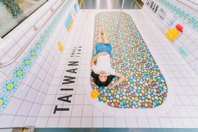 阿嬤家的方形磁磚、窗花 台灣老屋浴室躍上新加坡地鐵