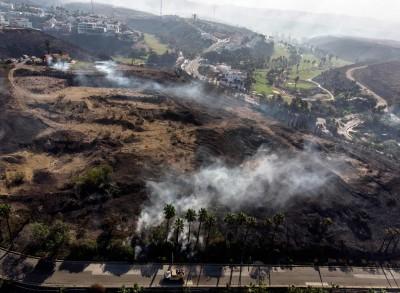 加州野火蔓延 緊急撤離逾5萬人、百萬戶斷電