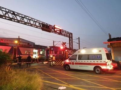 晨運婦人行經清水平交道 遭台鐵早班區間車撞死
