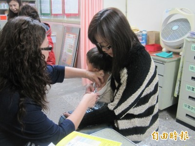 中市公費流感疫苗15日開打 逾60歲加碼肺炎鏈球菌疫苗