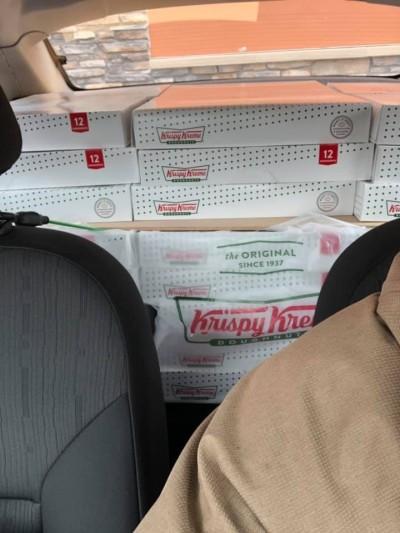 2倍價代購「發大財」 美男大生成知名品牌甜甜圈合作夥伴