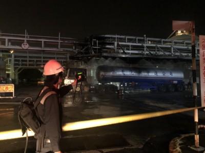 台塑林園廠槽車爆炸氯乙烯外洩 環局開罰45萬