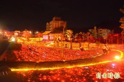 來泡溫泉囉! 四重溪溫泉季立冬點燈 楓紅浪漫爆表