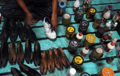 白天印報導、晚上補鞋…印度「鞋匠記者」為弱勢發聲17年