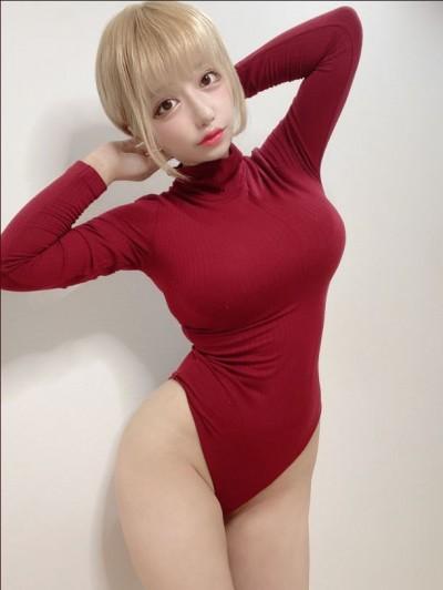 日本網美實穿UNIQLO新推出連身發熱衣 網友暴動了