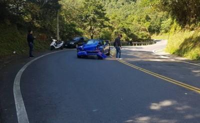 《頭文字D》名車撞山壁 操控不易「車比人兇」