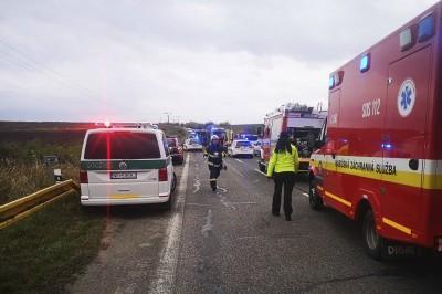 斯洛伐克公車、卡車相撞 至少13死20傷