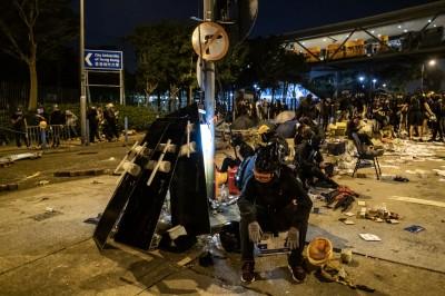 香港城大遭警襲 校友發公開信要台籍校長郭位「踹共」