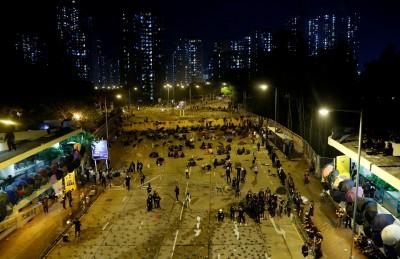 香港堵路行動持續 教育局:全港學校停課至週日