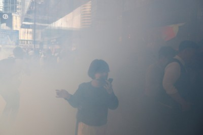 港記者染無法根治之病 疑遭催淚彈氣體毒害