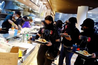 香港人反抗》超暖!理大「抗爭飯堂」供應「隨便餐」