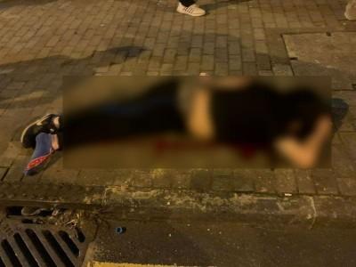 香港黑衣男倒臥街頭身亡 警方:單純墜樓事件
