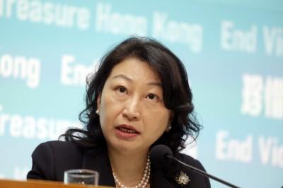 香港律政司長訪英遭包圍! 混亂中跌倒稱「受嚴重傷害」