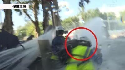香港人反抗》水砲重擊頭部 記者腦出血、後腦骨折