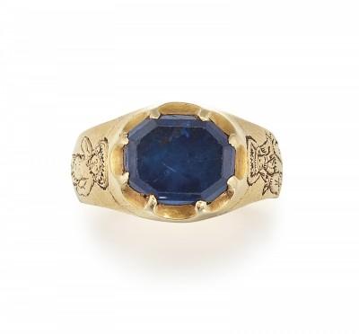 《羅賓漢》森林尋寶!他真的撿到15世紀藍寶石金戒