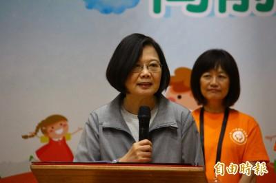 韓國瑜酸造勢「等便當」 蔡英文霸氣回擊:高雄人在等市長