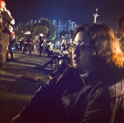 執筆即暴動?港警無差別抓人 作家鄧小樺理大被捕