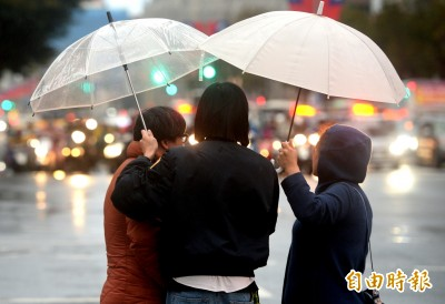 4縣市大雨特報 颱風外圍環流影響「愈晚雨勢愈明顯」
