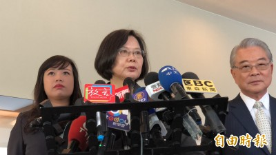 韓國瑜批台商回流是欺騙 蔡英文:「有上班的市長」都證實