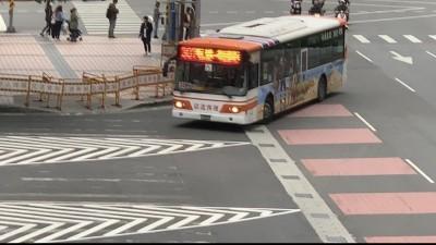 消除公車轉彎進站視線死角  板橋公車站行人穿越動線改至站內