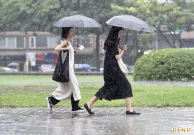 4縣市豪大雨特報 鳳凰向北移、海警機率大幅下降