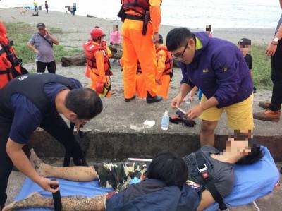 南方澳內埤海灘遊客溺水 休假消防員即刻協助救援