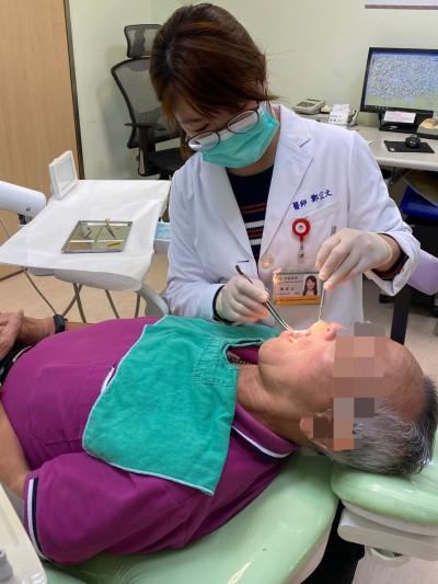 醫病》戒檳榔、戒菸多年 最近牙齦疼痛月餘不癒 竟罹口腔癌