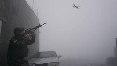 嵩山雷達站模擬遭無人機入侵 官兵持槍擊落帥照曝光