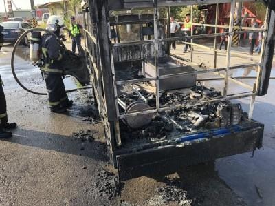 心碎!賣蔥油餅小貨車起火燃燒  整輛車都燒光