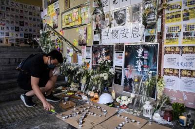 傳殯儀館拒為墜樓港生辦出殯 一群人跳出來仗義相助
