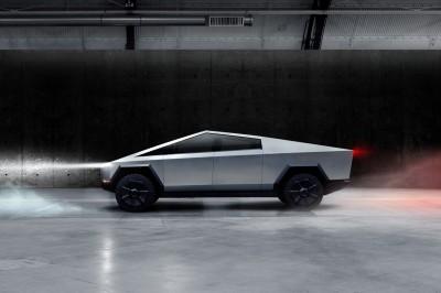 懂買!杜拜超跑警車車款再「+1」  看上造型奇特「這輛車」