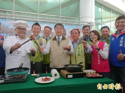 宣傳台南肉品 黃偉哲化身廚師煎香腸