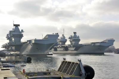 軍情動態》女王、親王首度同框! 英海軍開啟雙航艦時代