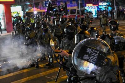 港民主派立法會、區議員300多人聯署 拒替警隊加薪