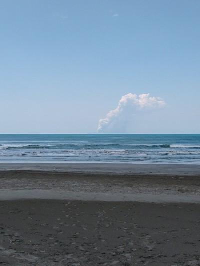 紐西蘭懷特島火山爆發釀20傷 數百遊客受困
