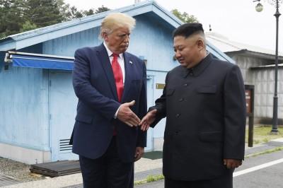 新書披露:川普曾要首爾居民搬家避北韓砲轟