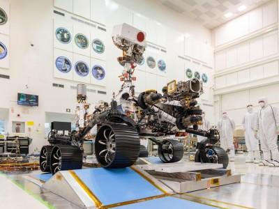 NASA下一代火星探測車通過測試 拿到「駕照」了!