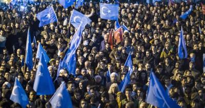 英超球星挺維吾爾人遭中封殺 土耳其數千人上街聲援!