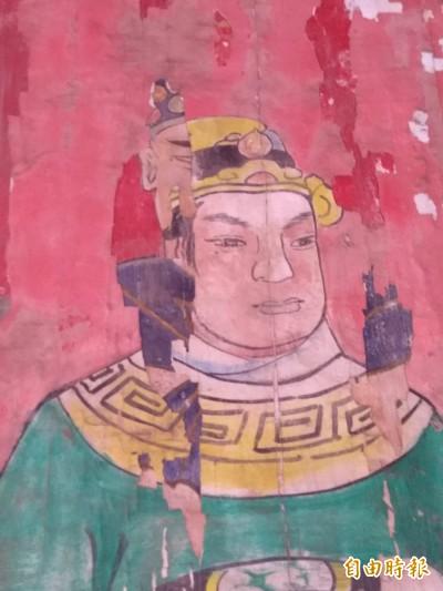 靈異傳奇?彰化聖王廟門神竟有「2張臉」