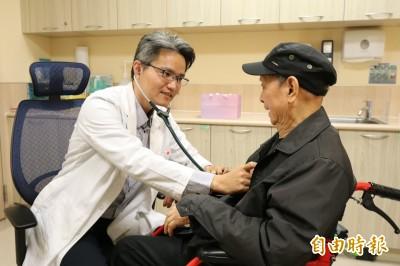 老爺爺罹C肝害怕吃藥 服用口服新藥無副作用且治癒