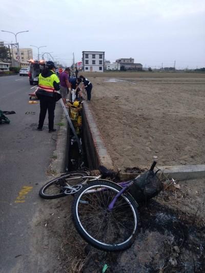 哀慟!退休警官騎腳踏車疑自摔進水溝溺斃