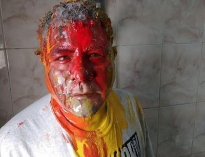 疑為政府施壓 埃及人權律師遭毆打、潑漆