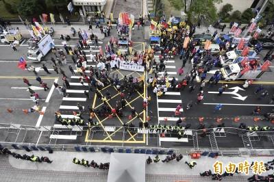 反滲透法》國民黨團「抗議不杯葛」 批綠為選舉重演一例一休