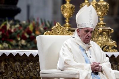 拍打狂熱信徒右手  教宗為「失去耐心」道歉
