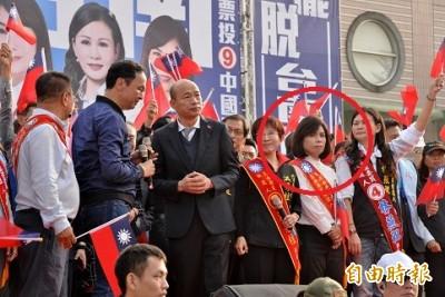 藍選將扯民進黨站路口拜票致黑鷹失事  影片曝光網罵翻